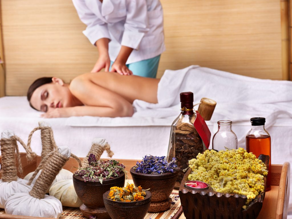 Aromatherapy Massage with essential oils for eczema