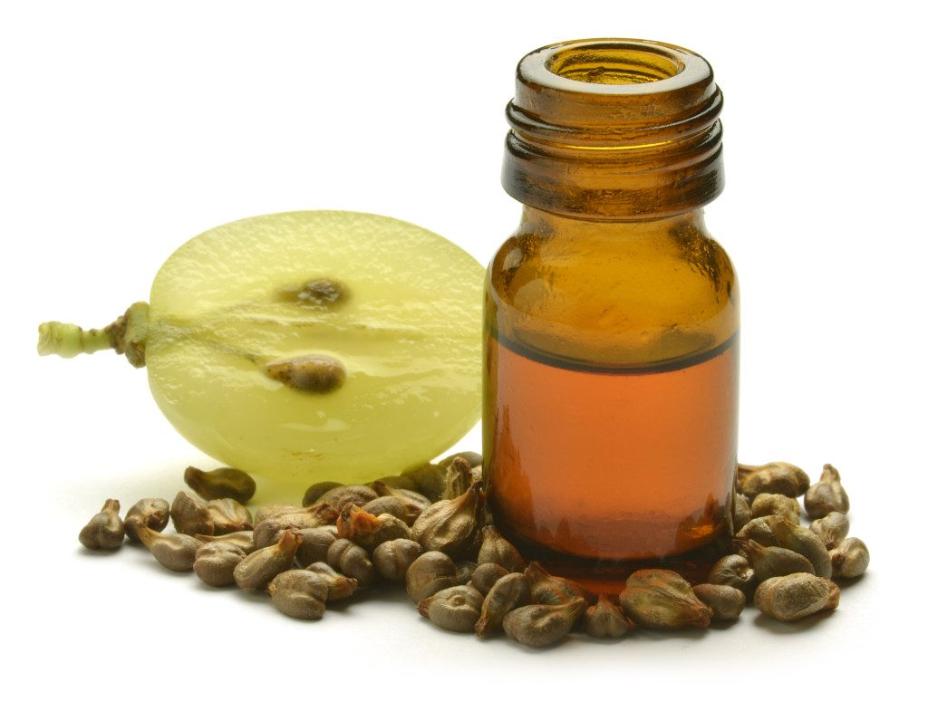 Grapeseed oil for stretch marks
