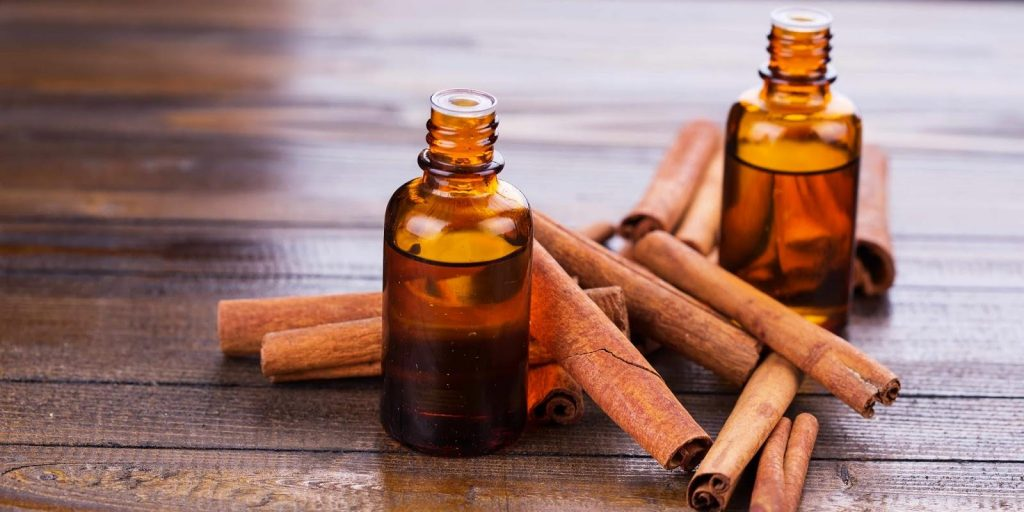 Cinnamon essential oil for toothache