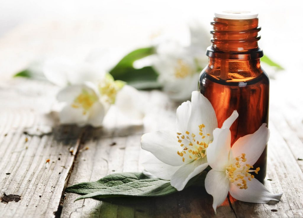 Jasmine essential oil for romance