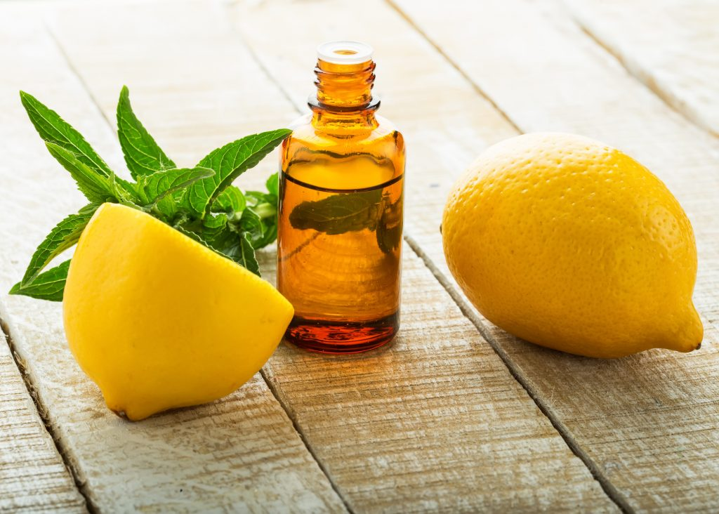 Lemon essential oil for Itchy skin