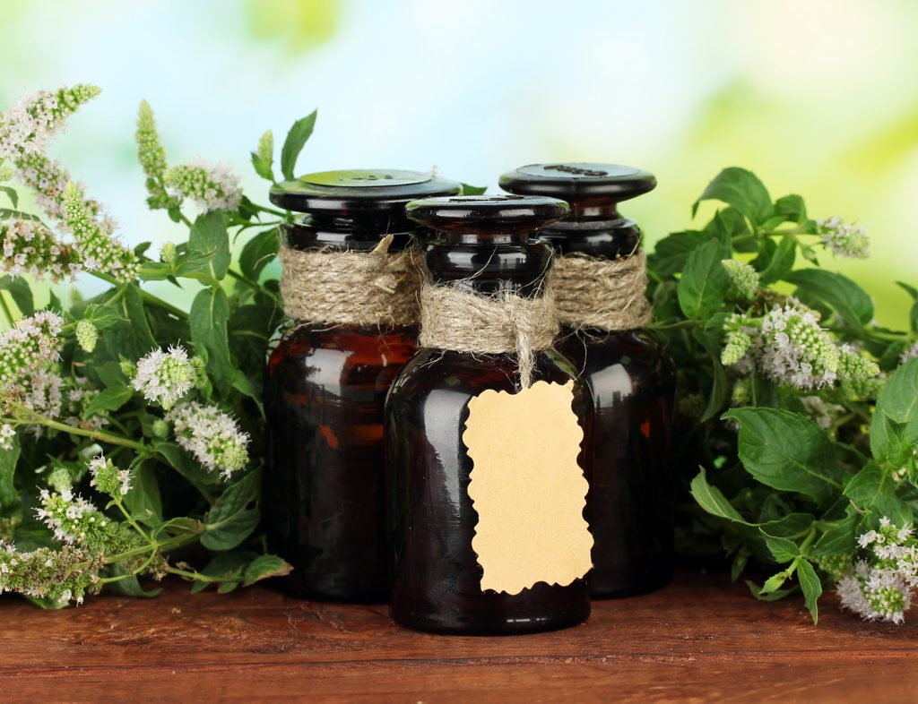 Peppermint essential oil for toothache