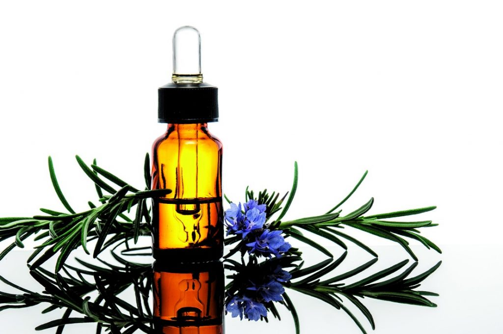 Rosemary essential oil for Itchy skin