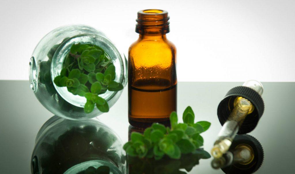 Oregano essential oil for cold sores