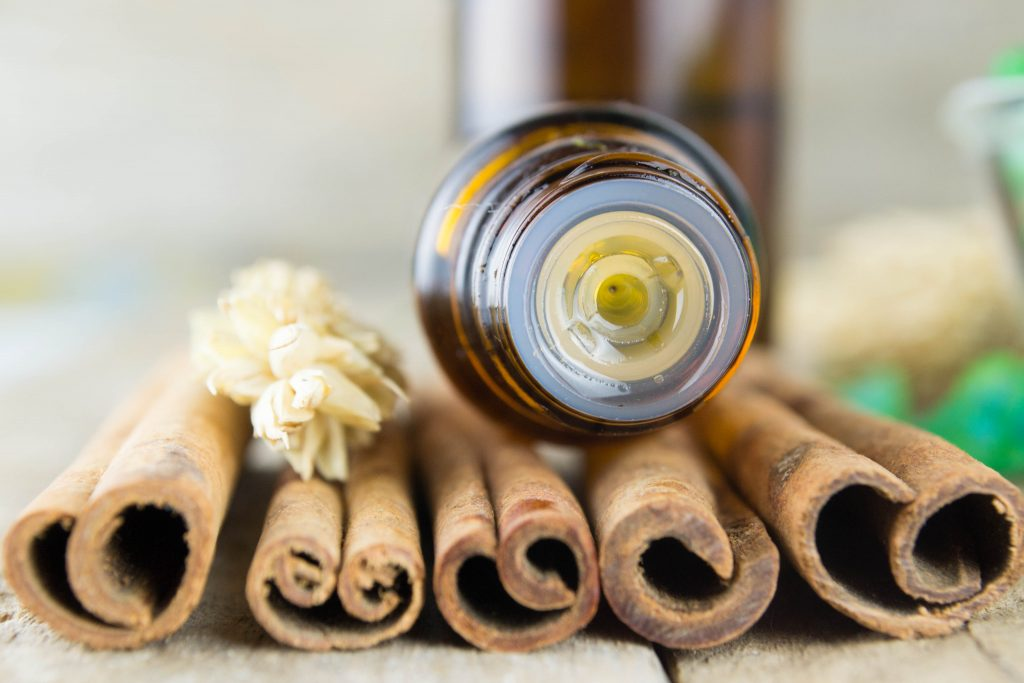 Cinnamon essential oil for toenail fungus