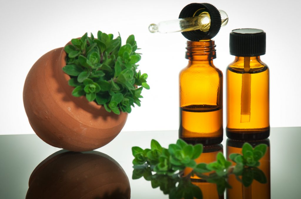 Oregano oil for skin tags