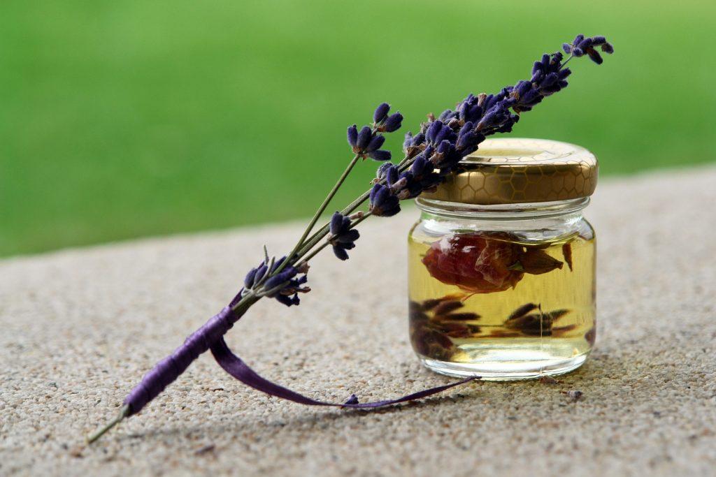 Lavender essential oil for Shingles