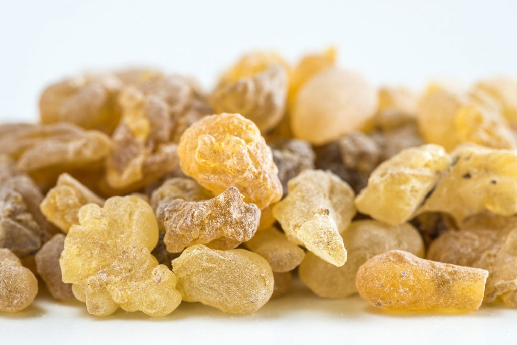 how to remove a mole with Frankincense