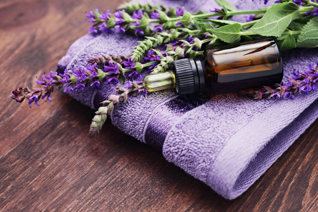 Lavender essential oil to get rid of hemorrhoids
