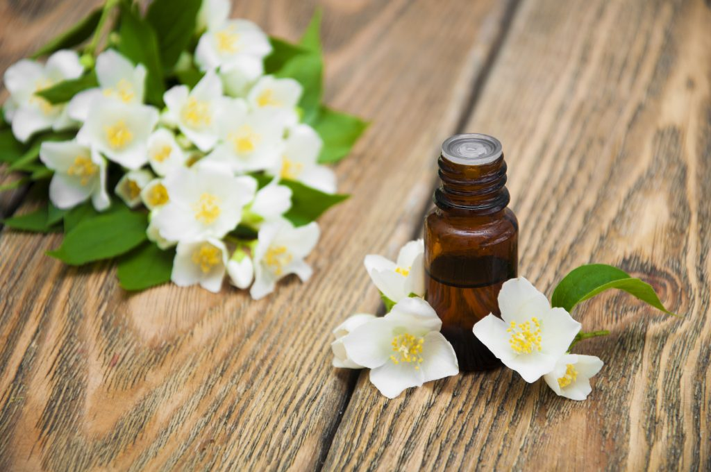 Jasmine essential oil for stretch marks