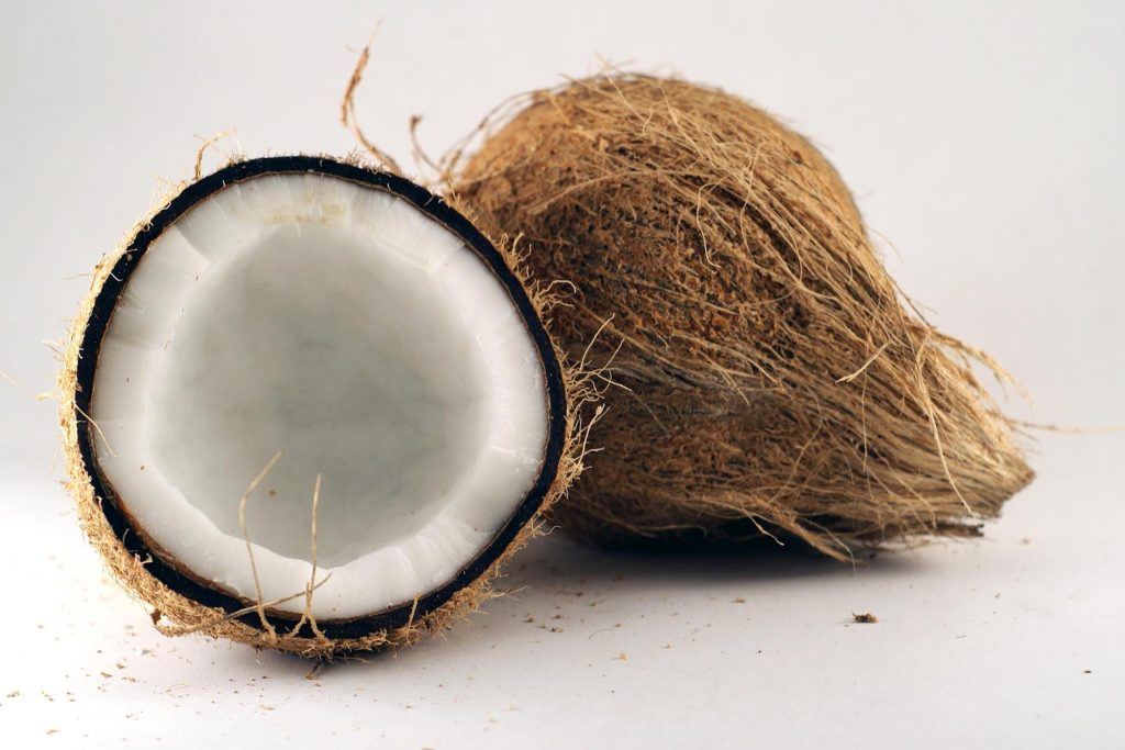 Coconut Essential Oil ringworm home remedies