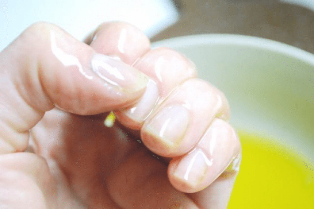 Lemon Juice to get rid of toenail fungus
