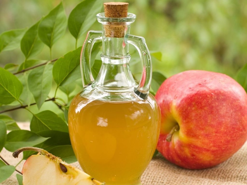 Apple Cider Vinegar as a natural remedyfor razor bumps