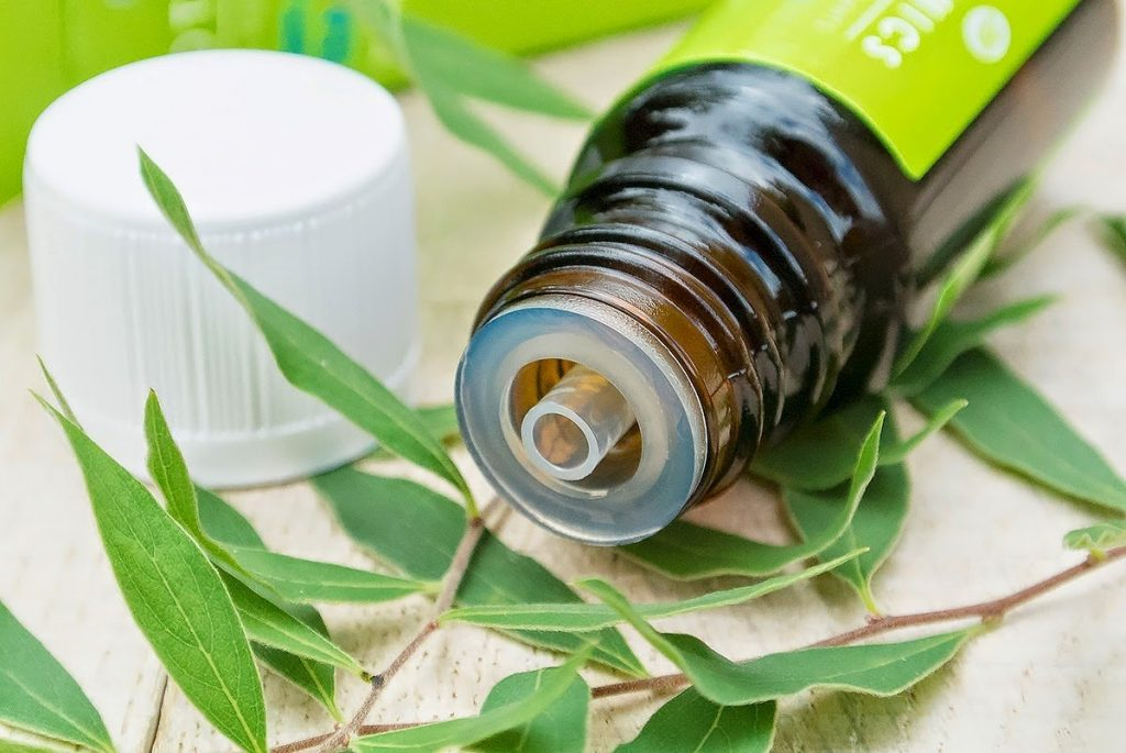 tea tree oil to get rid of smelly belly button
