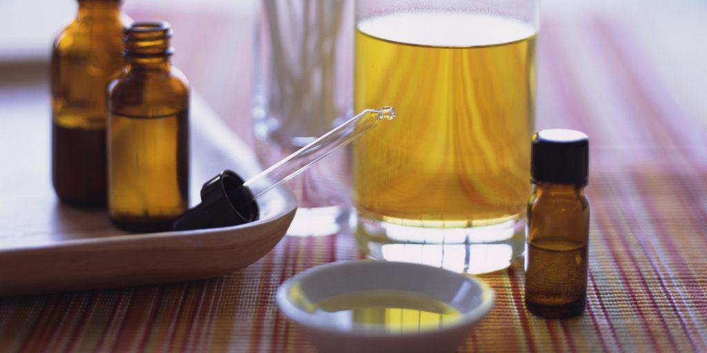 Tea tree oil to remove anal skin tags