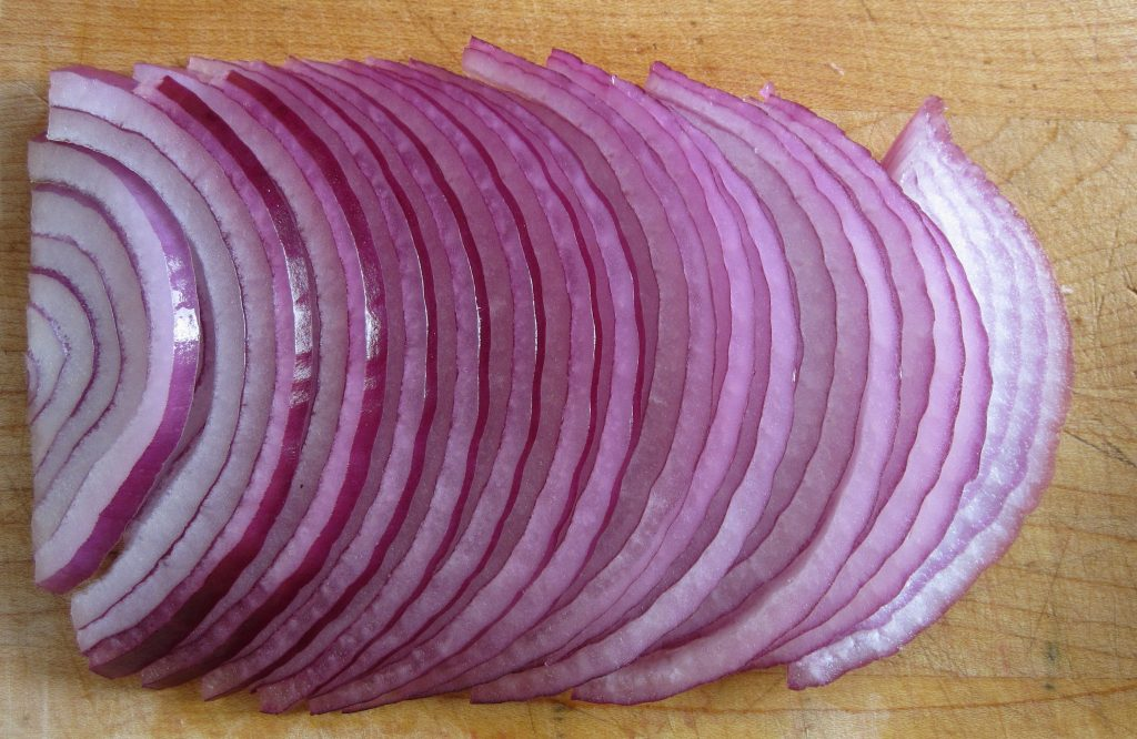 Onions as a home remedy for boils