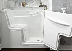 Best Walk In Tubs – Reviews of the Latest 2018 Models